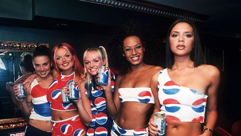 Spice Girls promote Pepsi in 1997