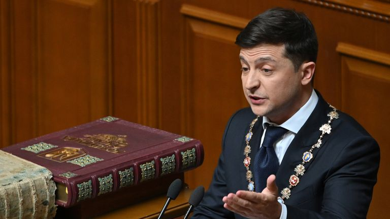 Ukrainian President Volodymyr Zelensky gives a speech during his inauguration ceremony at the parliament in Kiev on May 20, 2019