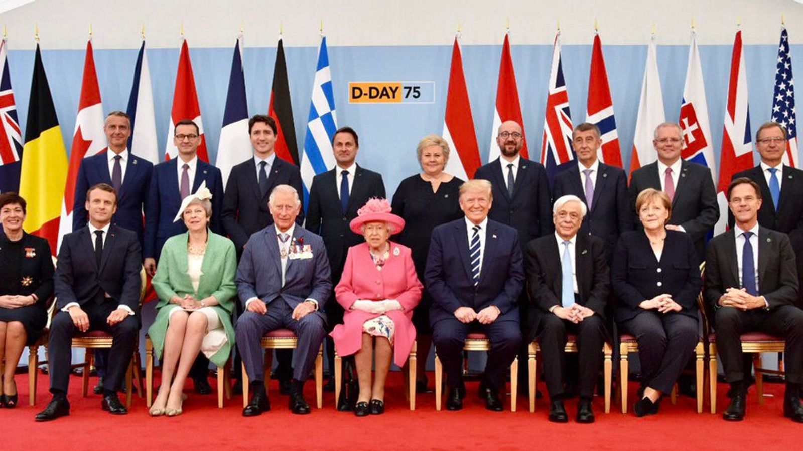 Queen and world leaders mark 75th anniversary of D-Day ...  Queen and world...