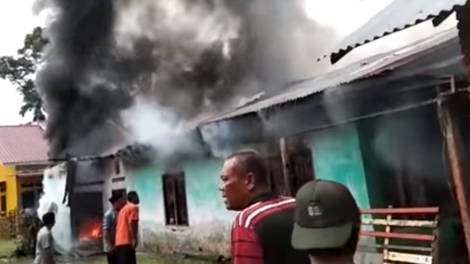 At least 30 dead in fire at home used as matchstick factory