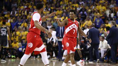 Lowry stars in Raptors win