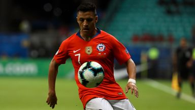 Sanchez guides Chile into Copa last eight