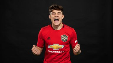 Man Utd sign James from Swansea