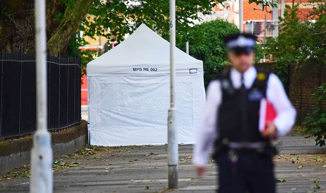 London mayor Sadiq Khan attacks police cuts after four murders in four days