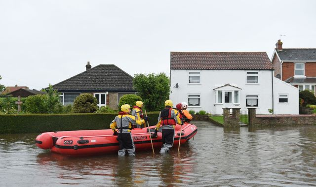 More rain forecast after 'unprecedented' flooding in Lincolnshire