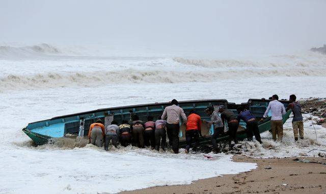 Thousands evacuated on Indian coast as Cyclone Vayu sweeps in