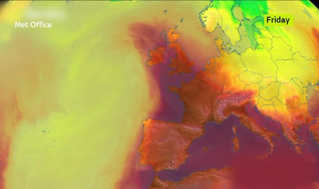 Europe heatwave: Schools shut in Paris as 'potentially lethal' Sahara heat moves in