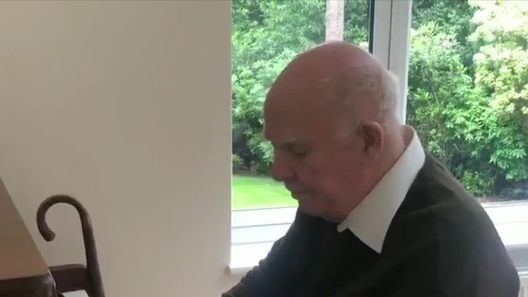 Dad with dementia plays piano