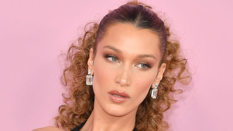 "Bella Hadid has apologised to her Arab fans, saying her post had ""nothing to do with politics"""