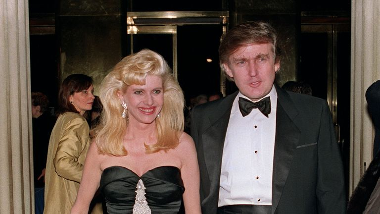Donald Trump and his former wife Ivana in New York, December 1989