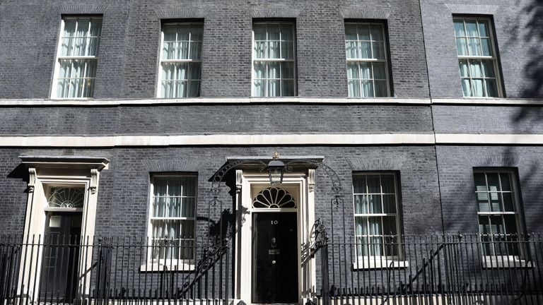 LONDON, ENGLAND - APRIL 18: A general view of 10 Downing Street prior to an announcment by Prime Minister Theresa May on April 18, 2017 in London, United Kingdom. (Photo by Dan Kitwood/Getty Images)