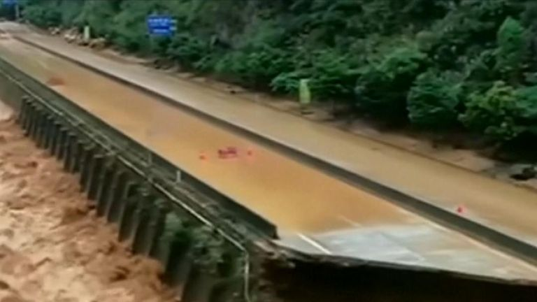 Deadly floods force mass-evacuations in central China