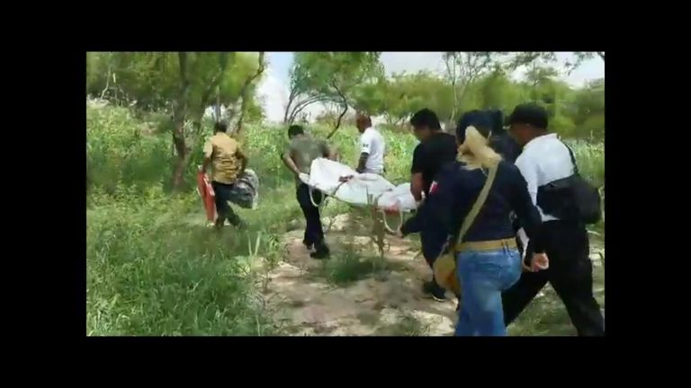 This video was shared by Noticias Radio Avanzado, who reported that they filmed it as the bodies of Oscar and Valeria were removed