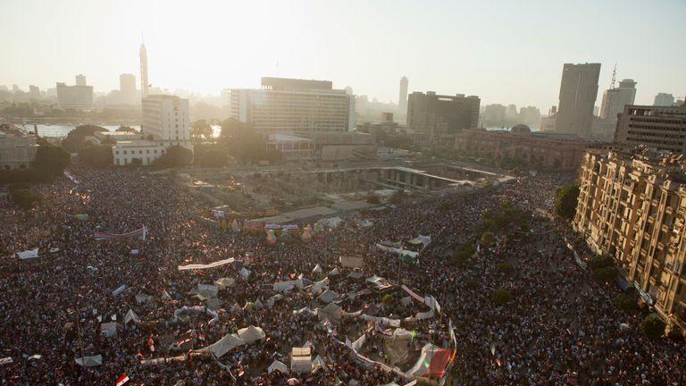 Former Egyptian president Mohammed Morsi buried after court death