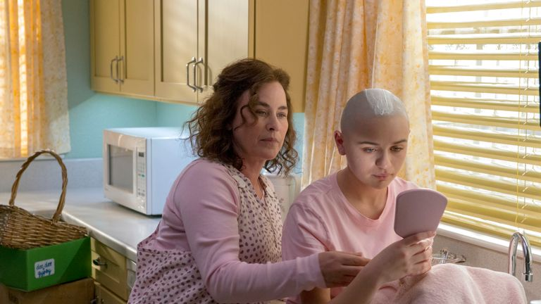 The Act: Dee Dee Blanchard (Patricia Arquette), Gypsy Rose Blanchard (Joey King) Photo by: Brownie Harris / Hulu