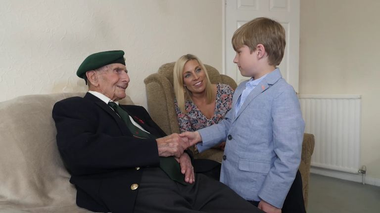 Sarah Hewson with her great-grandfather, Normandy veteran Clive Pitt, and her son Jack