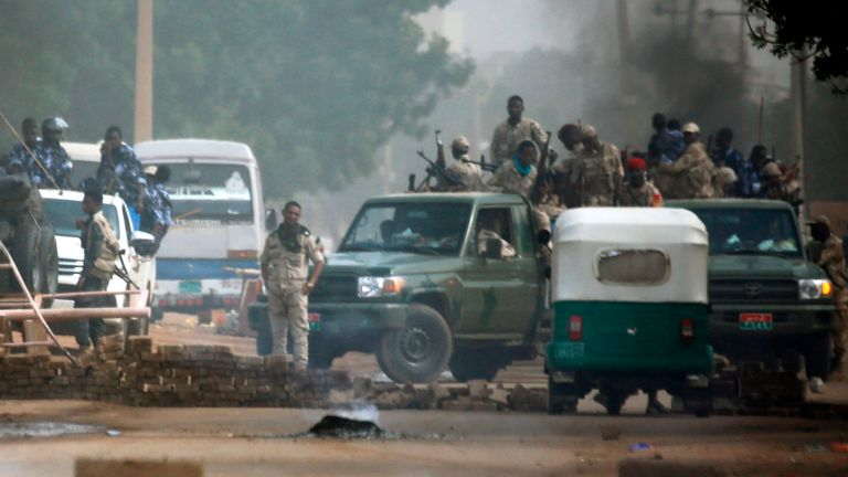 Sudanese forces around Khartoum's army headquarters