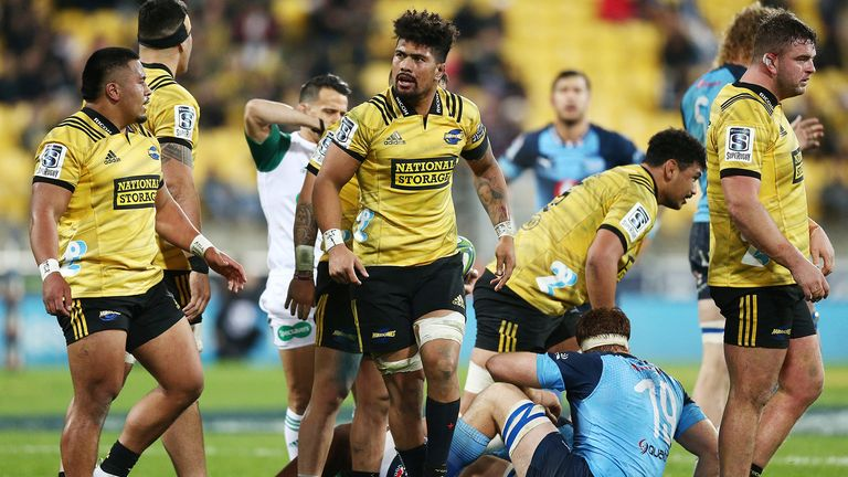 Hurricanes hold off Bulls in Super Rugby quarterfinal
