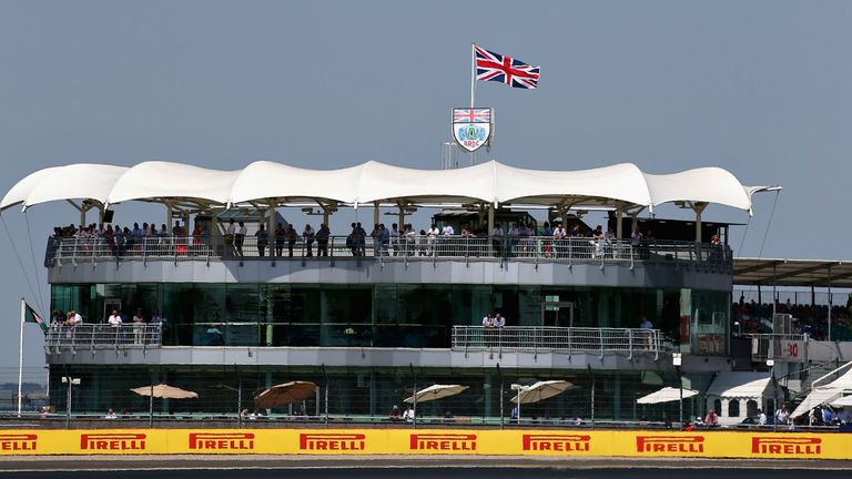 Hamilton will fight for Silverstone's British GP future
