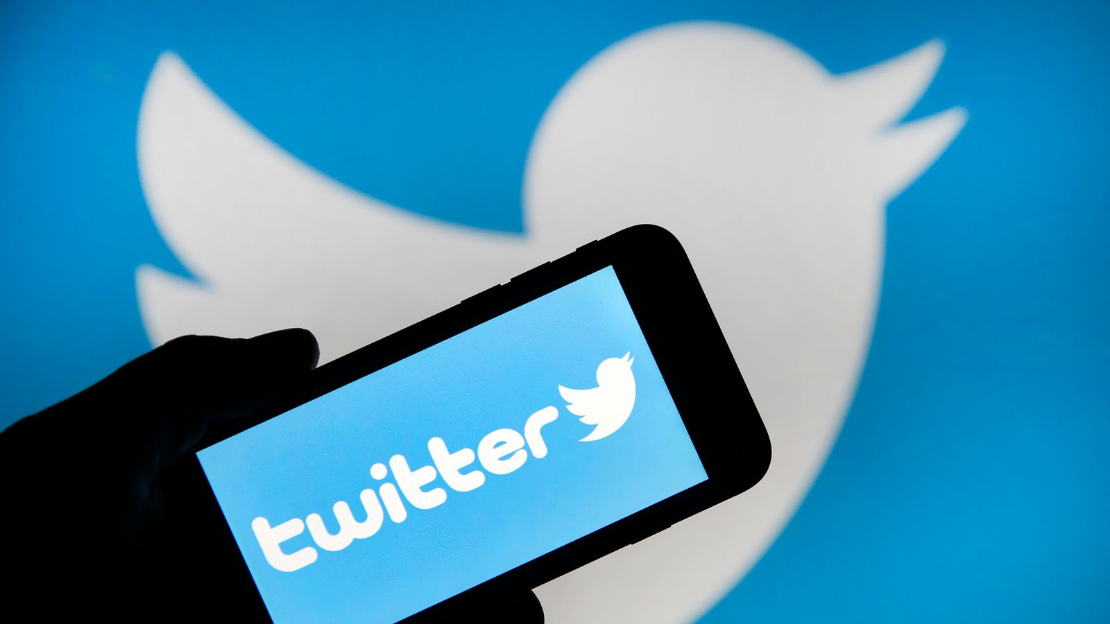 Twitter suffers outage after 'internal configuration' problems