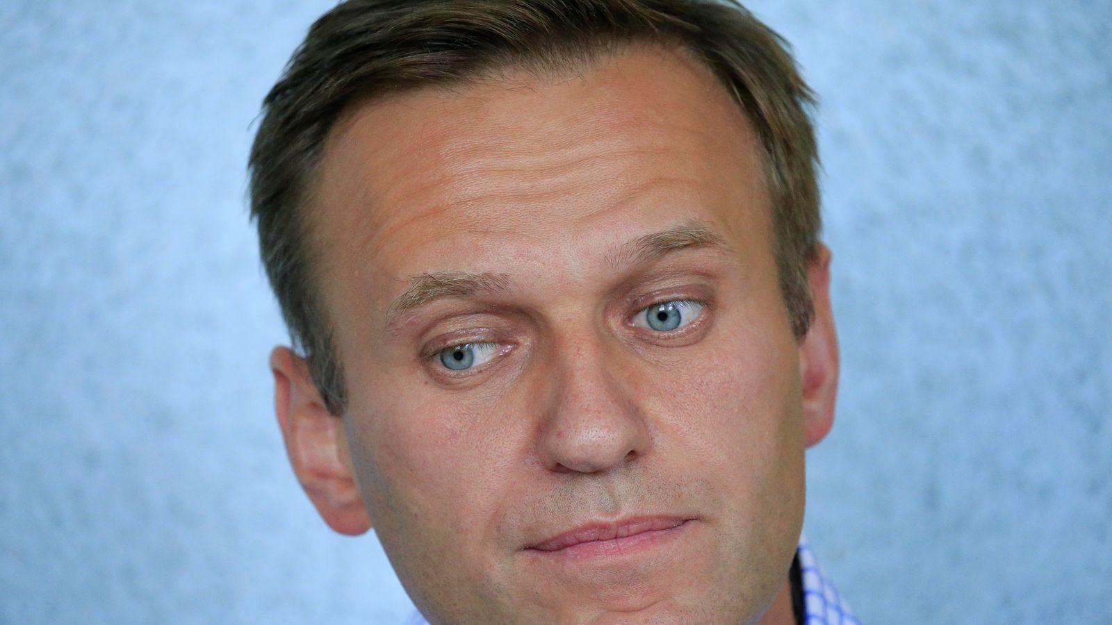 Alexei Navalny: Poisoned Putin critic faces jail on return ...
