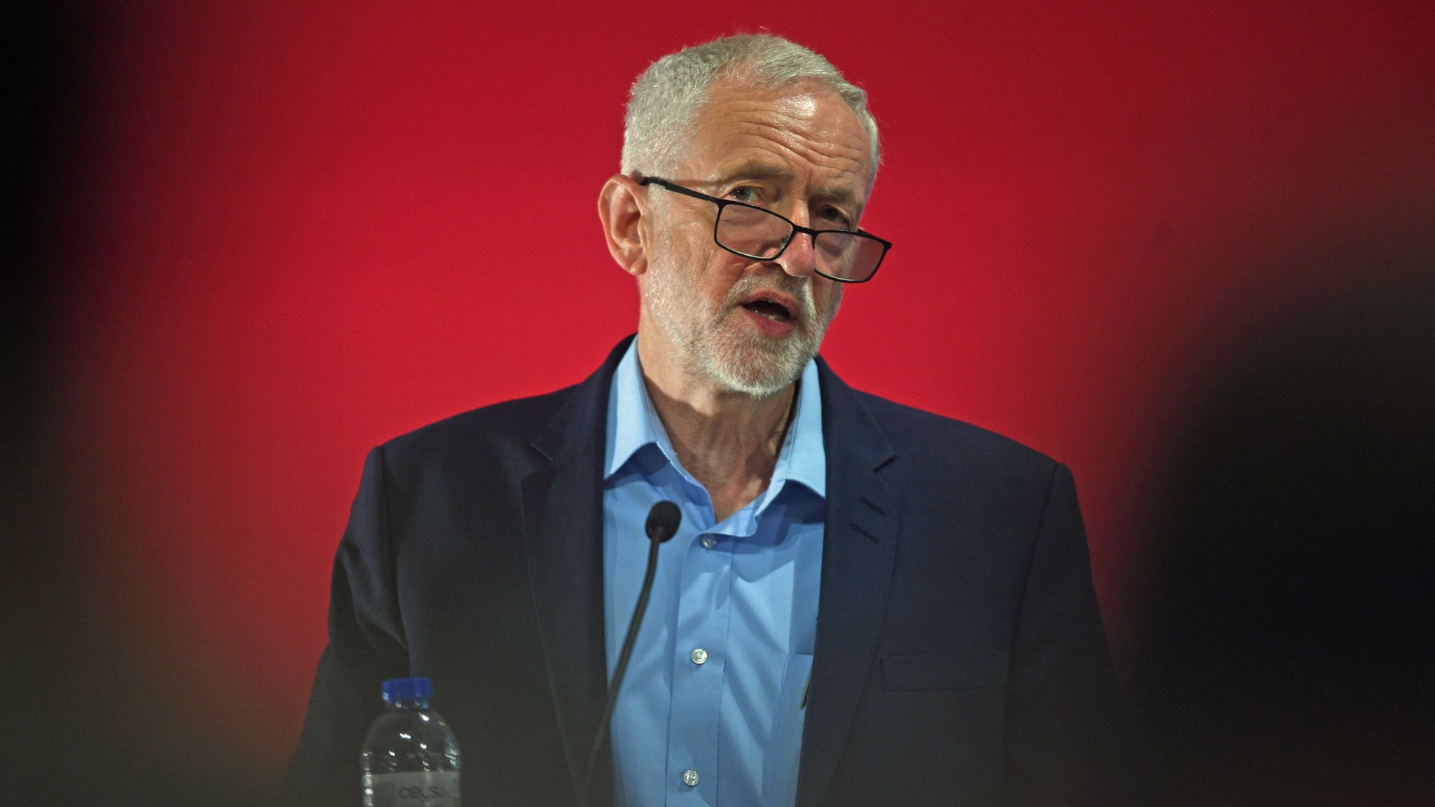 Labour a 'welcoming refuge' for antisemitism under Corbyn, says Jewish group's dossier