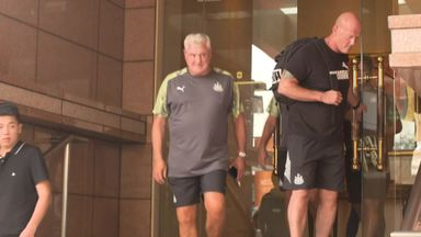 Bruce meets Newcastle squad in China