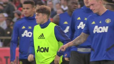 Man Utd train in front of Aussie crowd