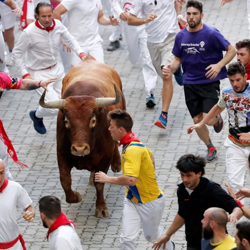 One man gored and five others injured in Pamplona bull run