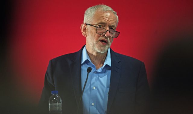 Jeremy Corbyn to hold emergency meeting over Labour's antisemitism crisis