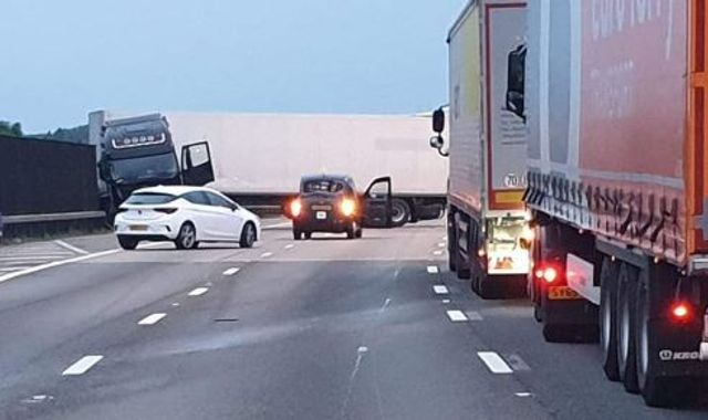 Lorry driver seriously hurt as crash shuts part of M25 for 10 hours