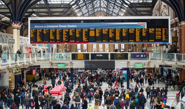 Average commute to work now takes 59 minutes - TUC study