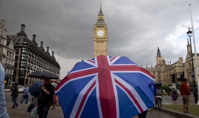 No-deal Brexit would plunge UK into recession, OBR watchdog warns