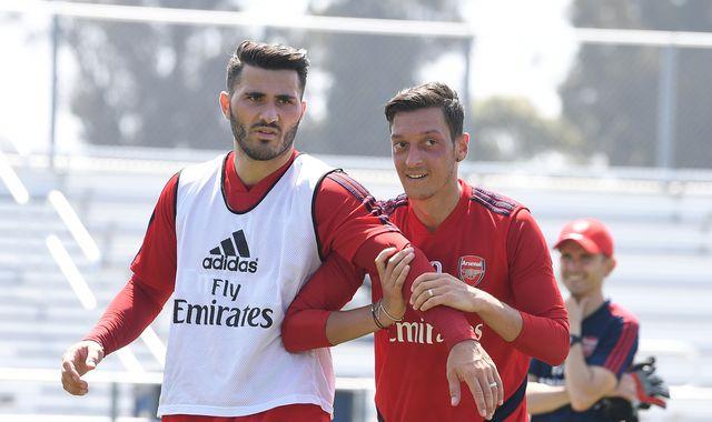 Mesut Ozil and Sead Kolasinac: Arsenal duo '100 per cent' mentally, says Unai Emery