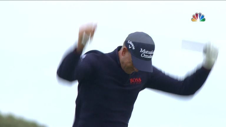 After a horrendous shot on the 17th hole, Henrik Stenson lost his cool and managed to snap his club in half!