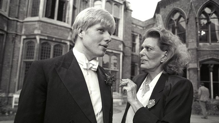 Mr Johnson, now Oxford Union society president, speaks with the visiting Greek culture minister Melina Mercouri