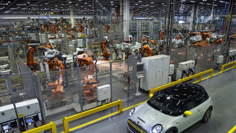 The MINI Electric will be produced at the Cowley plant alongside traditionally-fuelled cars