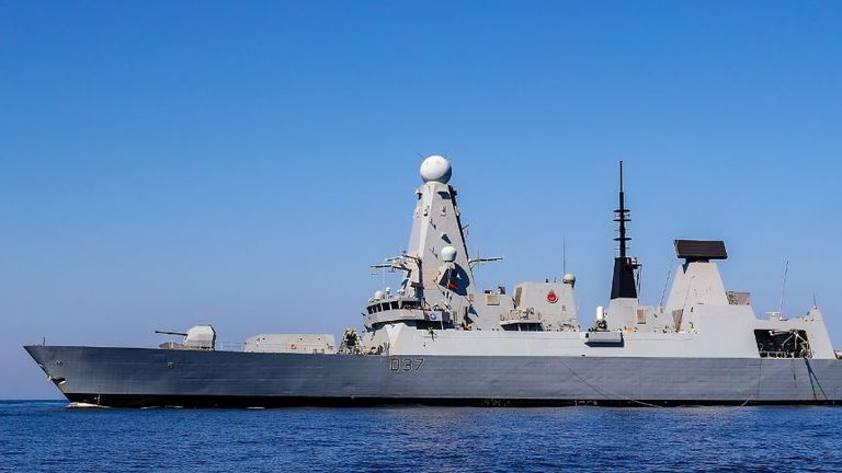 HMS Duncan will assist HMS Montrose