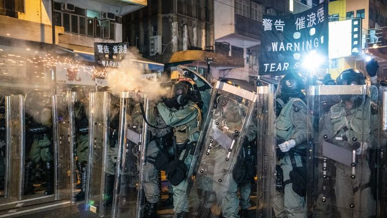 'Bedlam' in Hong Kong as police 'throw everything' at protesters during clashes