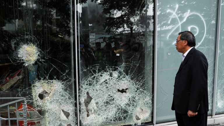 Police regain control of govt building from Hong Kong protesters