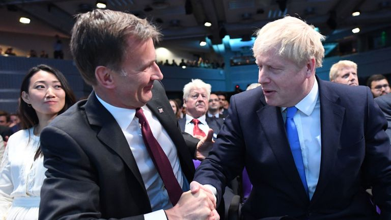 Jeremy Hunt congratulates Boris Johnson