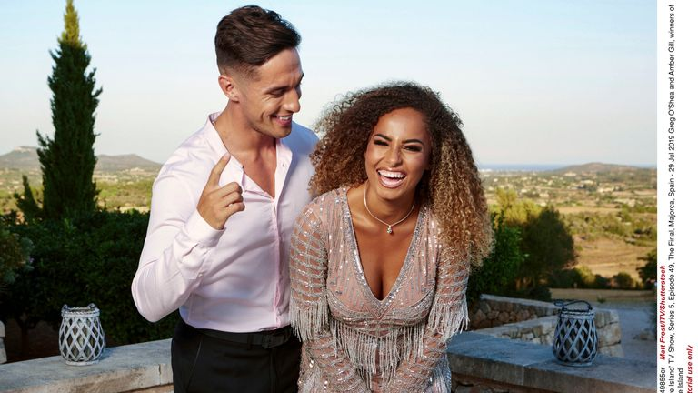 Greg O'Shea and Amber Gill, winners of Love Island 2019