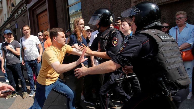 Hundreds arrested at Moscow protest demanding fair local elections