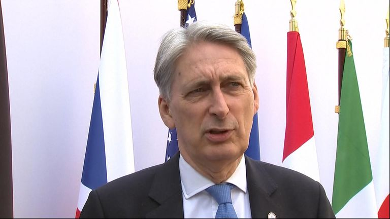Philip Hammond says no deal Brexit will bring a 'significant hit' to UK economy