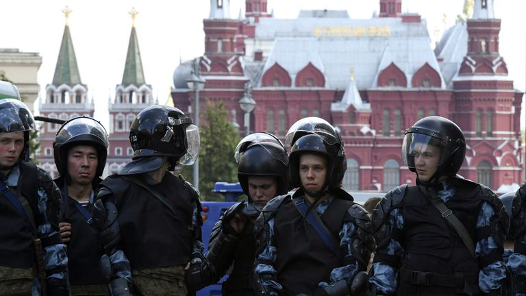 Riot police block an area during an unauthorised rally demanding independent and opposition candidates be allowed to run for office in local election in September, in downtown Moscow on July 27, 2019. (Photo by Kirill KUDRYAVTSEV / AFP) (Photo credit should read KIRILL KUDRYAVTSEV/AFP/Getty Images)