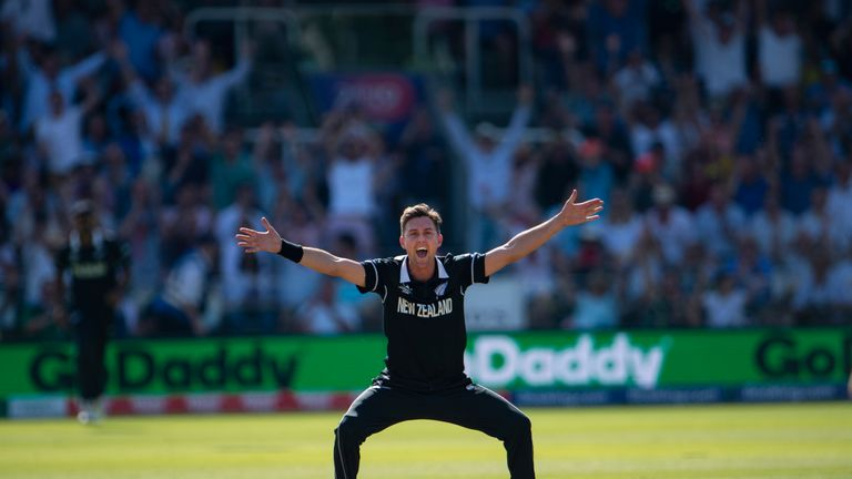 Trent Boult is at his most dangerous when he swings it back in to the right-handers, says Nasser Hussain