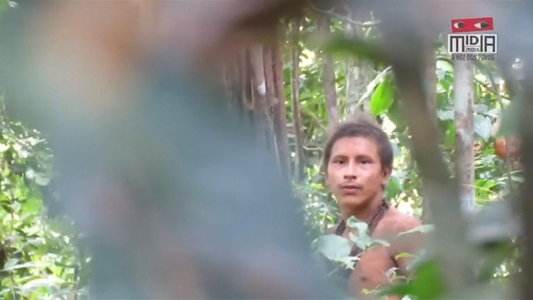 Uncontacted Awa tribesman filmed by activist