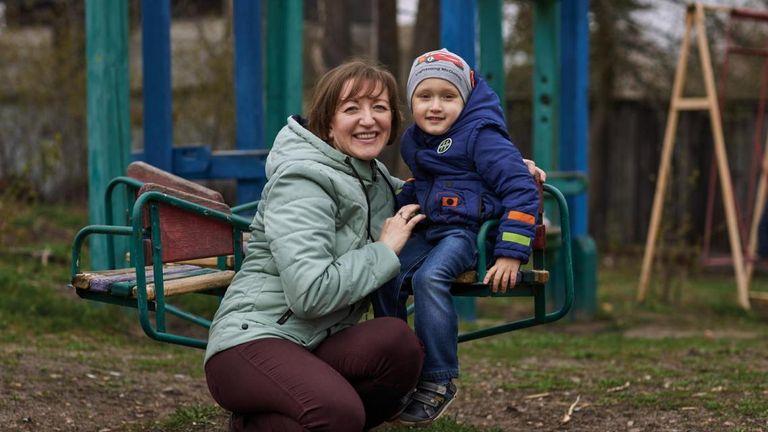 Svitlana Ovdiy plays with her son Kyrylo, 3, a tetanus survivor.  Pic: UNICEF/UN0301273/Zmey