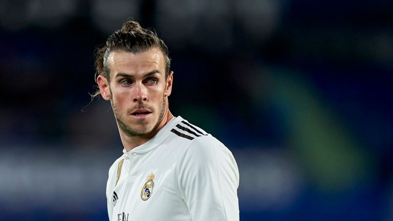 Former Real Madrid president Ramon Calderon says Gareth Bale's situation at the Bernabeu is 'unsustainable' and must be resolved soon