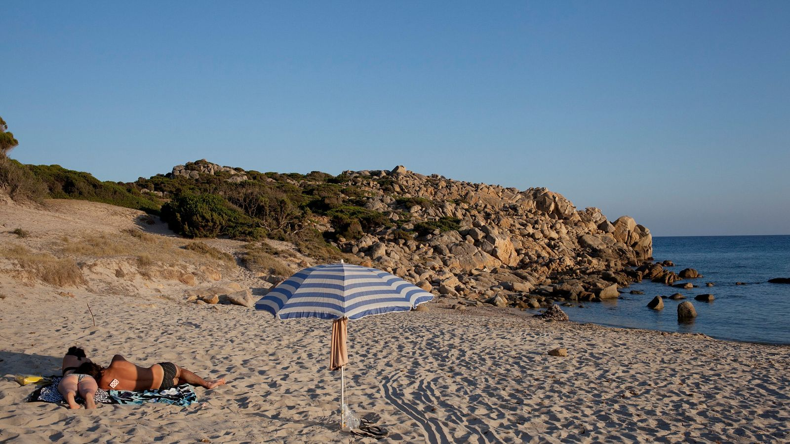 Tourists who took sand from Sardinian beach face jail